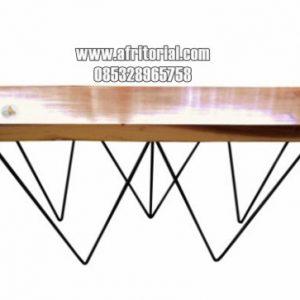Meja makan kayu trembesi kaki hairpin besi