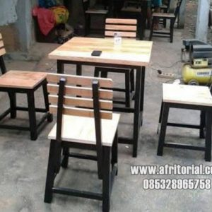 Model set kursi dan meja cafe terbaru 2020