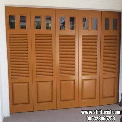 Pintu Krepyak untuk Garasi Model Panil Kaca