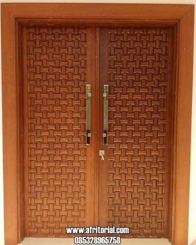 Pintu Kupu Tarung Ukir Anyaman Tikar