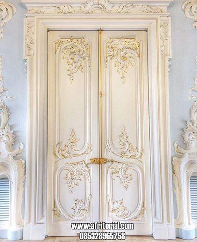 Pintu Kupu Tarung Ukir Klasik untuk Rumah Minimalis