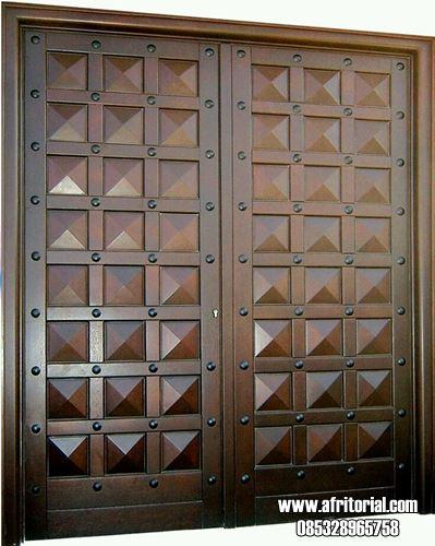 Pintu Utama Rumah Motif Piramida Desain Minimalis Modern