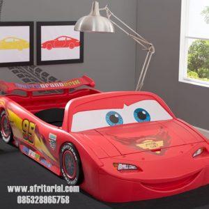 Tempat Tidur Anak Mobil Macqueen Warna Merah