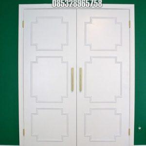 Pintu Kupu Tarung Dengan List Timbul Cat Duco Putih