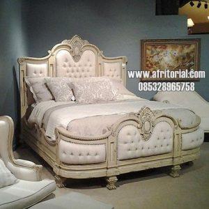 Tempat Tidur Untuk Kamar Tidur Utama Mewah