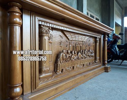 Meja Altar Gereja Ukiran Relief Perjamuan Suci Jati Jepara