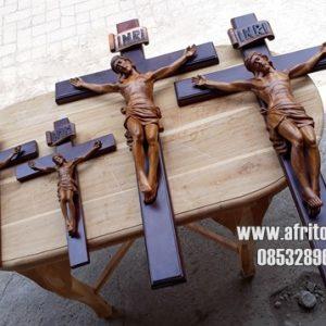 Patung Salib Yesus Kristus Ukir Kayu Jati Jepara Segala Ukuran